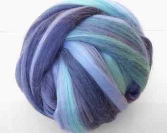 Wet felting, needle felting, Spinning, Weaving. Merino blend. Color: Sea Storm