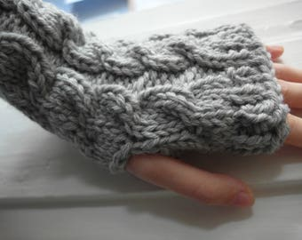 cable knit FINGERLESS MITTENS  / gloves / wool