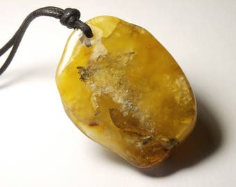 authentic large amber pendant, genuine yellow (80)
