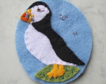 Puffin felt patch/applique motif, hand sewn and hand embroidered - free shipping in UK