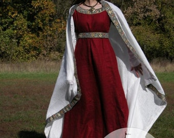 Red Medieval Dress, Underdress (Chemise), Belt and Shawl; franks dress; shawl dress; belt dress
