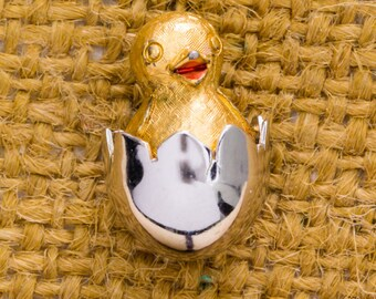 Hatching Chick Vintage Tie Tack Lapel Pin Silver Gold Avon Brand Easter Collar Stay Men's Accessories Add On 7WW