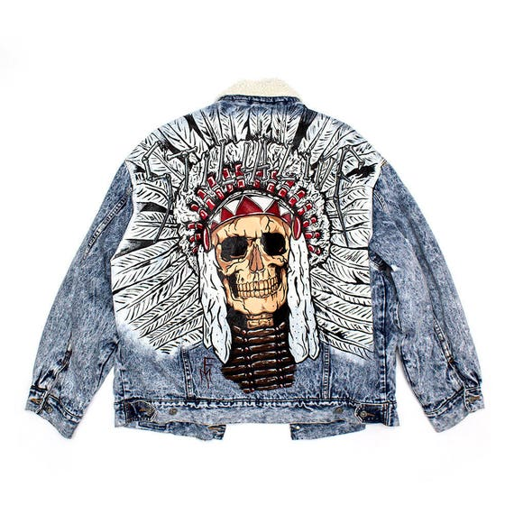 Custom Made - Hand painted denim jacket. Lion 7JaoUy