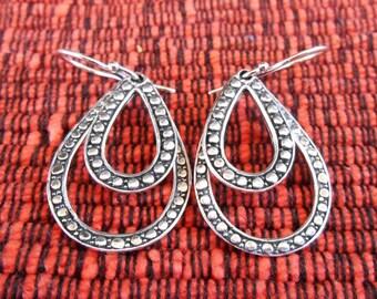 Elegant Sterling Silver dangle Earrings / 1.45 inch long /  silver 925 / Bali handmade jewelry / (#103K)
