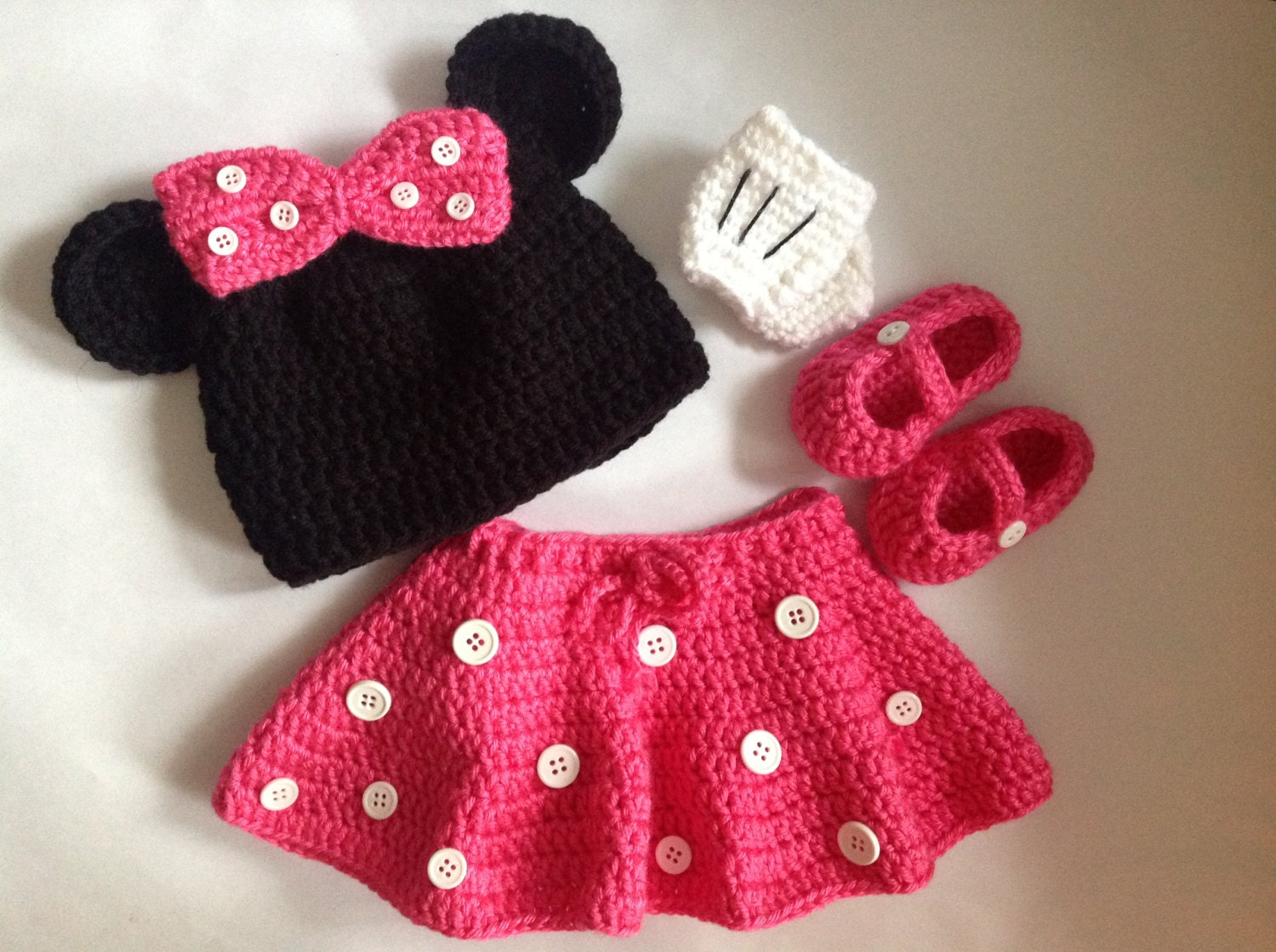 Minnie Mouse Pattern In PDF Tutorial File crochet minnie