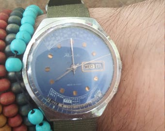 Raketa vintage oversize blue dial watch