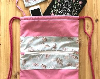 OFERTA Mochila, mochila saco, mochila joven, mochila rosa, rosa, regalo, regalo chica, plumas, tela plumas, bolsa gimnasio, monedero, cordón