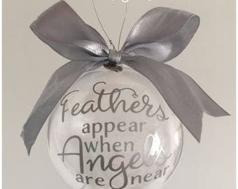 Feathers bauble