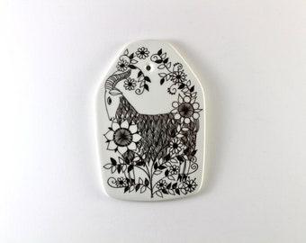 Figgjo Flint  - Zodiac Capricornus plaque  - Designed by Turi Gramstad Oliver - Made in Norway.