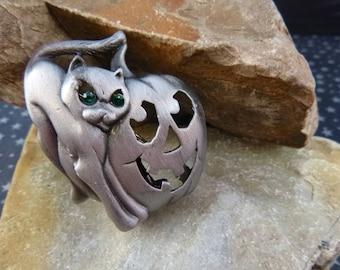 Vintage Halloween Pin Green Eyed Pewter Cat with Jack O Lantern Carved Pumpkin