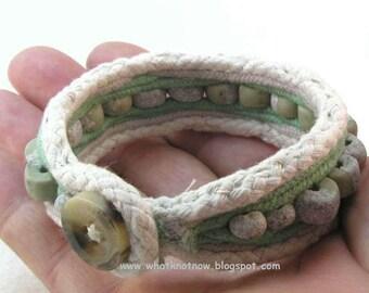 vertebrae cuff bracelet ribbed green gray clay bead bracelet one button toggle cuff 3036