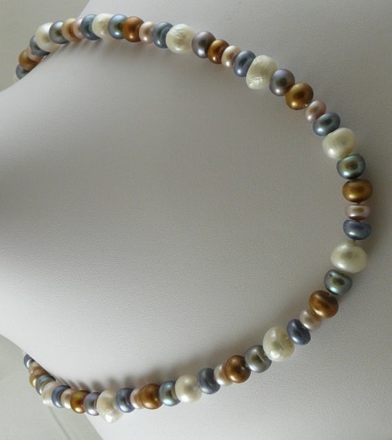 Freshwater Multicolor Pearl 9 MM to 10.5 MM Necklace 14k Yellow Gold Clasp