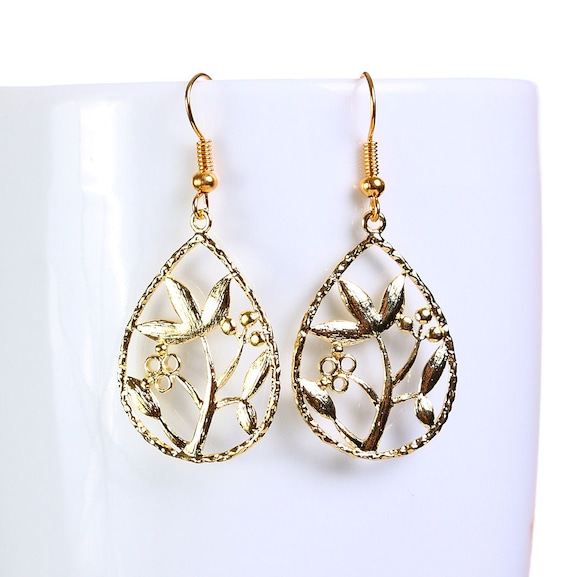 Gold plated flower filigree drop dangle earrings (650)