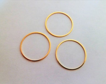 Golden round rings