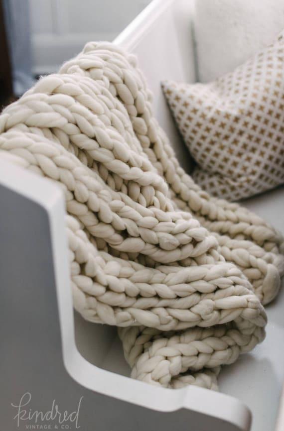 "Chunky Knit Blanket, 32x54"" Merino Chunky Throw Blanket, Giant Knit Blanket, Wool Blanket, Chunky Knit Blanket, Handmade Chunky Blanket"