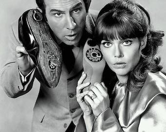 "Don Adams and Barbara Feldon in ""Get Smart"" - 5X7 or 8X10 Publicity Photo (EE-037)"