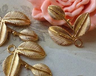 25 x 27 mm Golden Plated Leaf Charm Pendants (.sa)