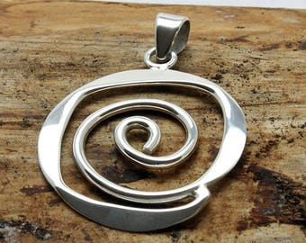 Sterling Silver Sculptured Spiral Art Deco Pendant with silver chain (P414)