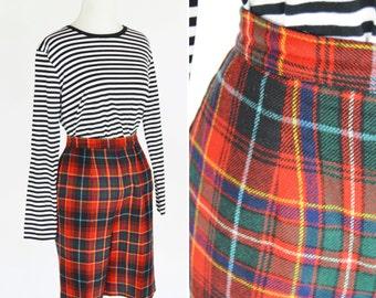 Vintage 1950's Red Plaid High Waist Golf Shorts - Wool Pendleton Shorts - Dapper Tartan Plaid Bermuda shorts -  Size Medium to Small