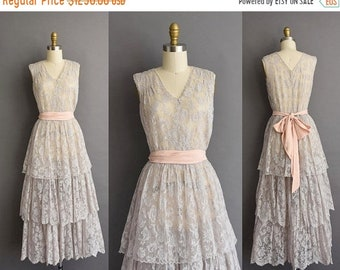 25% OFF SHOP SALE..//.. vintage 1930s dove gray french lace romantic tier wedding dress Small 30s vintage antique french lace party dress
