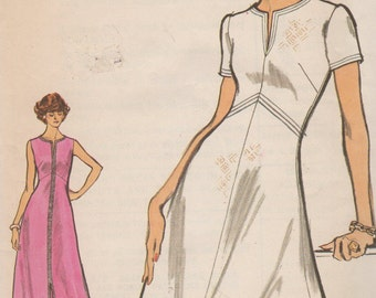 Bust 32 1/2-FACTORY FOLDED 1970's Misses' Dress Vogue 8296 Size 10