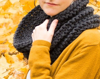 Chunky Knit Cowl, Hand Knitted Wool Scarf Neckwarmer