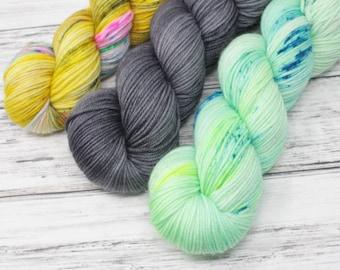 No. 7 Kit, DK yarn, hand dyed yarn, indie dyed yarn, hand painted, hand dyed yarn, wool yarn, HKNT, tonal yarn, yarn kit