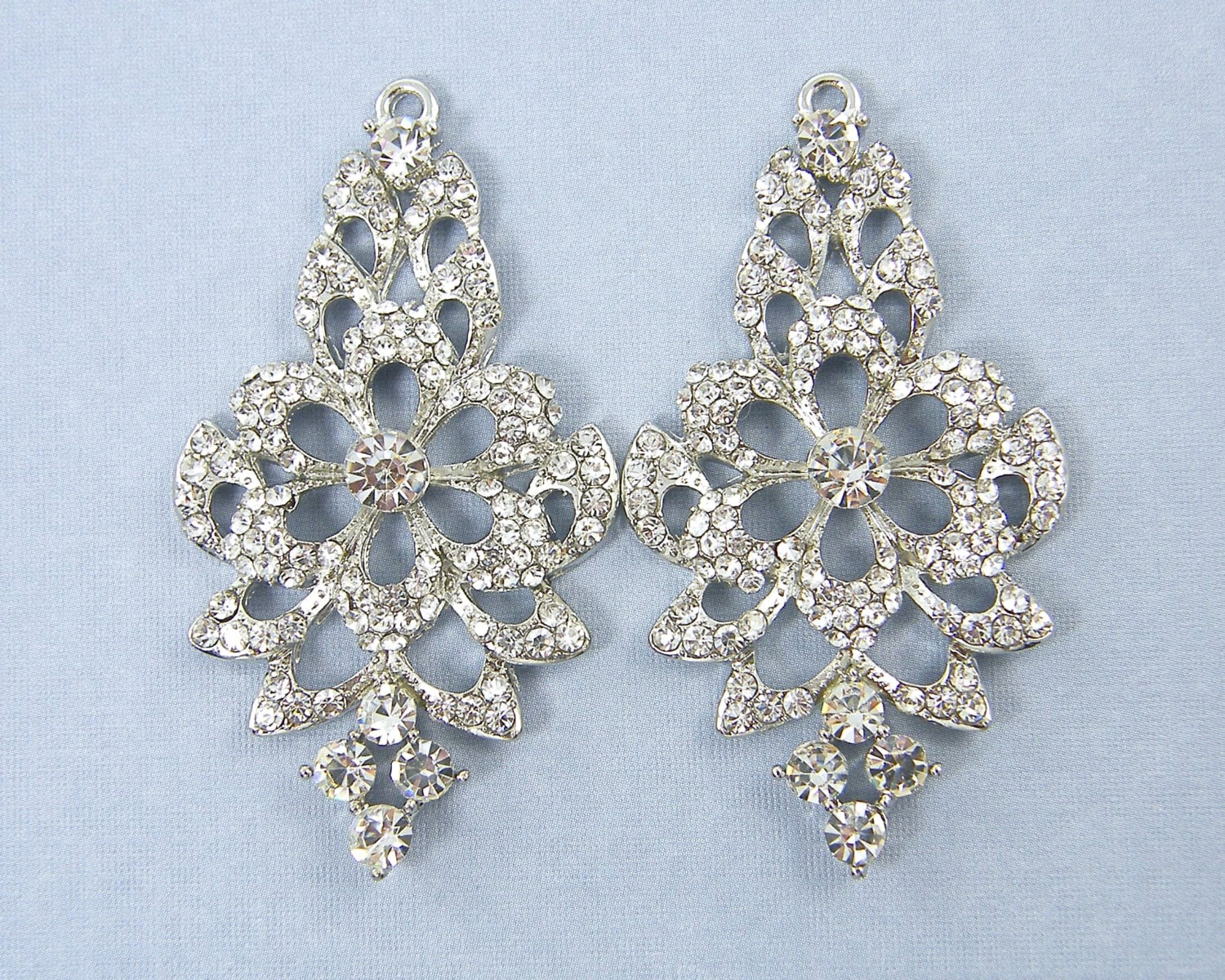 Silver flower rhinestone chandelier bridal earring finding clear 380 shipping arubaitofo Choice Image