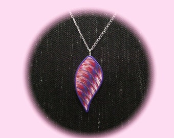 purple-pink pendant, 8 cm high