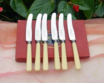Sheffield 6 Knives - England, Robinson's Cutlery-  Stainless, Bakelite Handles- Vintage - Fabulous!