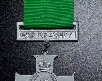 TRMN Dress Medal -C- Queens Cross of Bravery