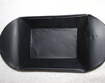 Early American Matte Black Painted Tin Bun Tray