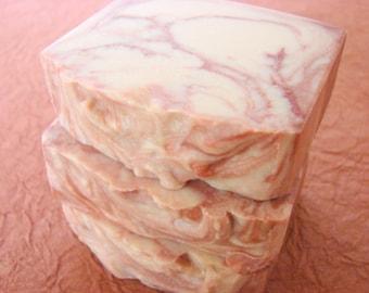 Pierre de foyer. Cèdre, ambre et vanille sucrée Handcrafted Soap