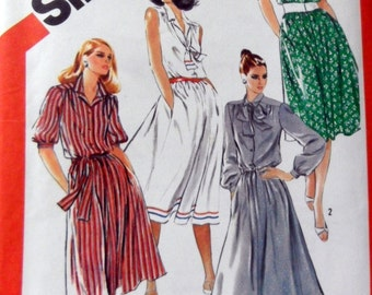 Simplicity 5530 Misses Pullover Shirtwaist Dress, Gathered Yoke, Sleeve Variations, Sleeveless  Size 18 UNCUT Sewing Pattern