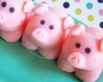 Pig Soap - Farm Soap, Soap Favors, Kids Soap, Animal Soap, Children Bath, Cute Soap, Piggy Soap, Barn Soap, Wilbur Soap, Strawberry Soap
