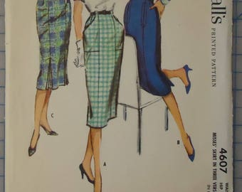 McCalls 4607- Sewing Pattern - 1950s Ladies Skirt with Optional Pleats and Pocket Treatments