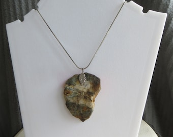 mica-schist pendant with leaf bail