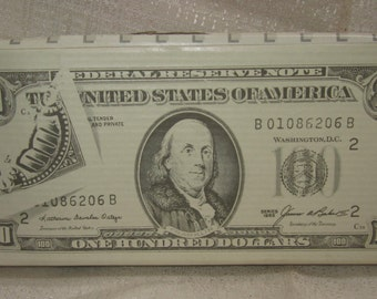 A Bundle of 100 Dollar Bills Bank by Five n Dime ~  made in the 80's - Item 462