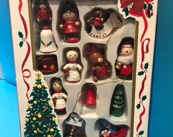 Retro Vintage Kitschy 12 Peice Wooden Christmas Decorations Set 2