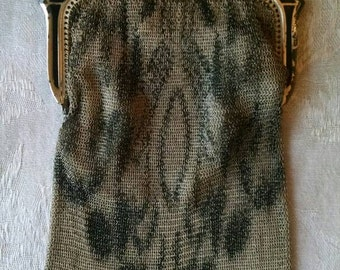 Fun and Flirty Vintage Whiting and Davis Mesh Metal Purse, Flapper Style, 1920's Style, Great Gatsby