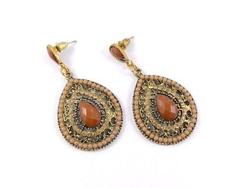 Tear drop earrings, brown and gold earrings, rhinestone and beads earrings, pre-loved earrings, earrings, elegant earrings.