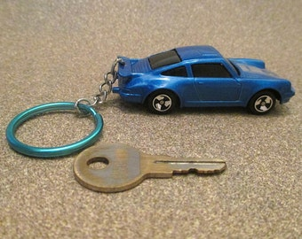 Porsche 911 keychain, 1968 Turbo Sports Car,llavero Keychain, Mens or Womens keychain, Mens or Womens gift schluesselanhaenger Stocking