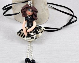 "Doll ""Emma"" necklace"