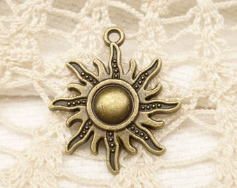 Radiating Sun Charms, Antique Bronze (6) - A39