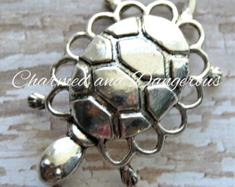 Pewter Dainty Turtle pendant (P32)