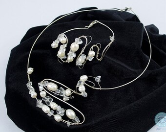 Handmade Jewelry Set with freshwater pearls and crystals - Handmade set - Artistic Jewelry