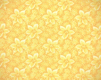 1/4 YARD, COTTON PRINT, Yellow and White Flowers, Quilting or Craft Fabric, Allover Design, Medium Wt, B26