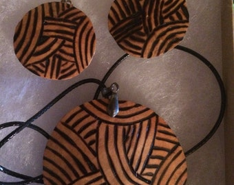 Round circle Pyrography gourd necklace and earring set