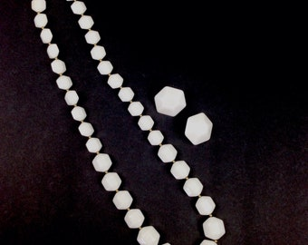 Vtg plastic Hexagon white necklace and clip on earring set large costume jewelry