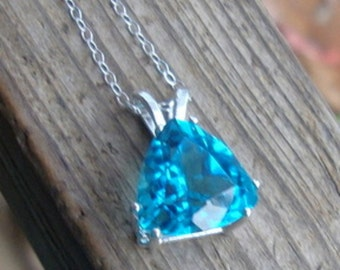 BLUE Topaz pendant in sterling silver with chain - necklace -  eco friendly Sterling Silver - Big (8.5 ct) Swiss blue topaz